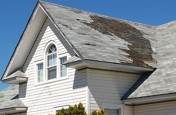 Signs of damaged roof